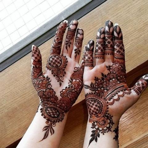 Modern Front Hand Mehndi Design Photos