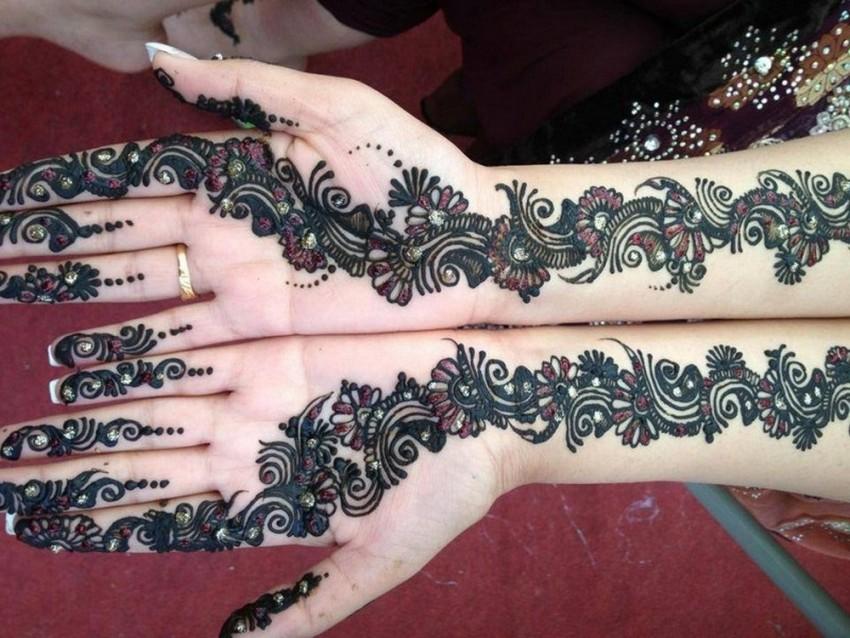 Modern Hd Front Hand Mehndi Design