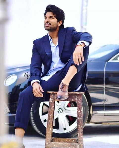 Stylish Allu Arjun With Car Images Pic Full Hd